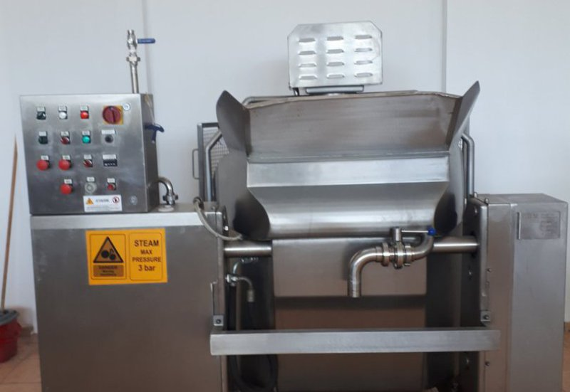 CHEESE PROCESSING AND PACKAGING EQUIPMENT